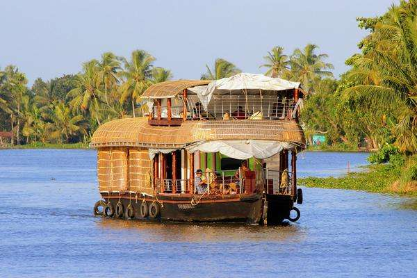 New Globus And Cosmos Tours To Exotic India